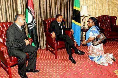 President Banda Joyce kneels when greeting male presidents!!